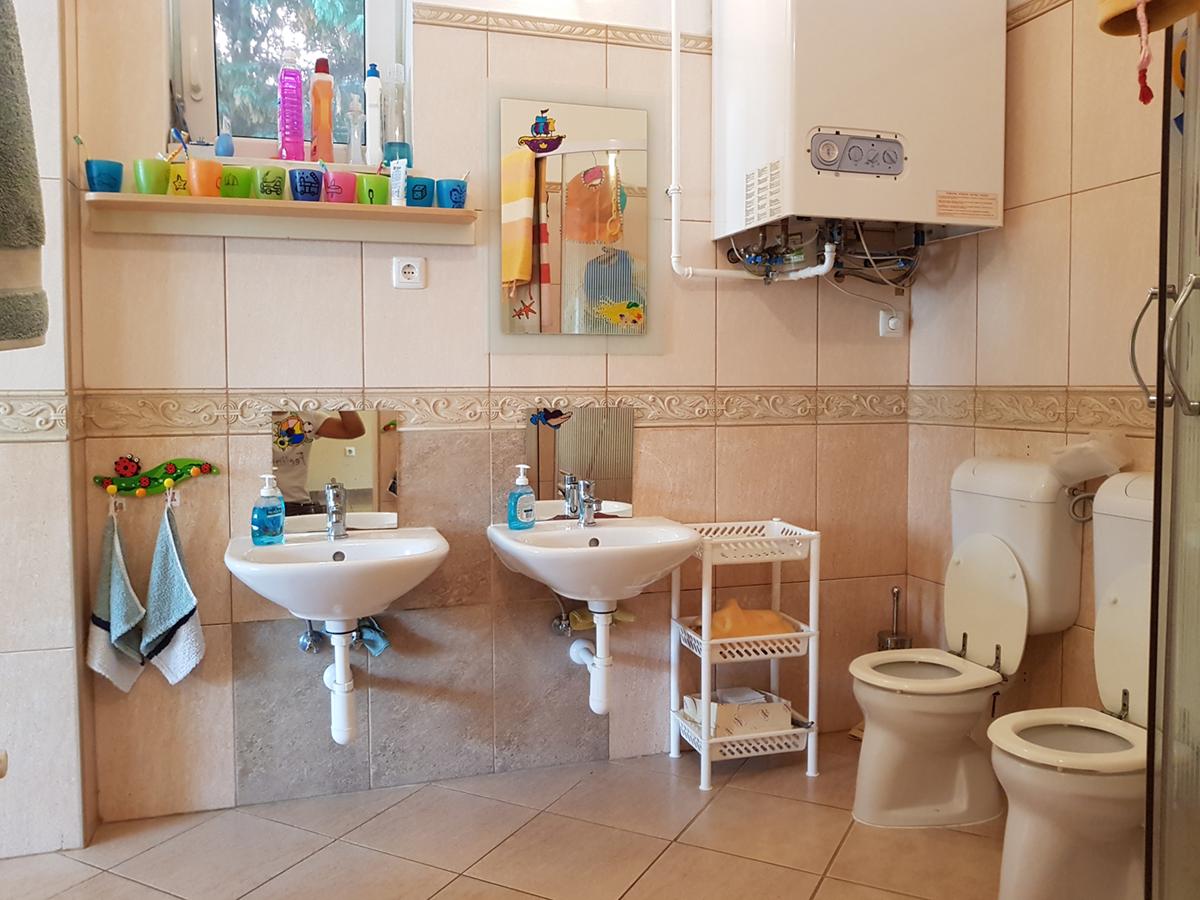 nagyhalacska-bölcsőde-mosdó